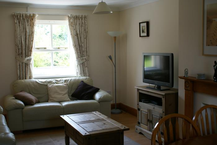 Cottages 1, 3 and 5 Lounge